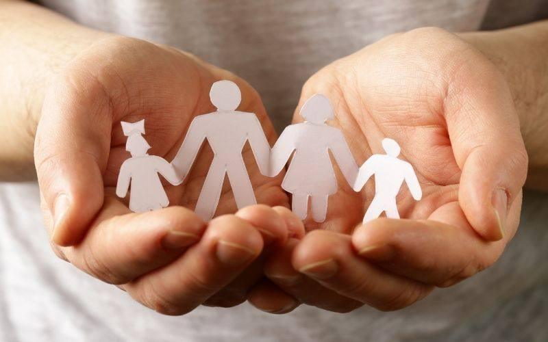 Acogimiento y adopción